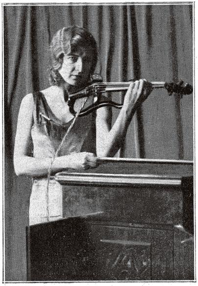 Makhonine Electric Violin from L'Illusration magazine, April 1930